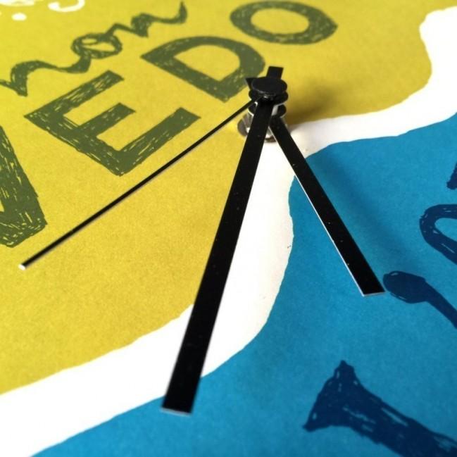 """Orologio da parete - """"non vedo l'ora"""", stampato su cartone riciclato, diametro 32 cm con meccanismo silenzioso"""