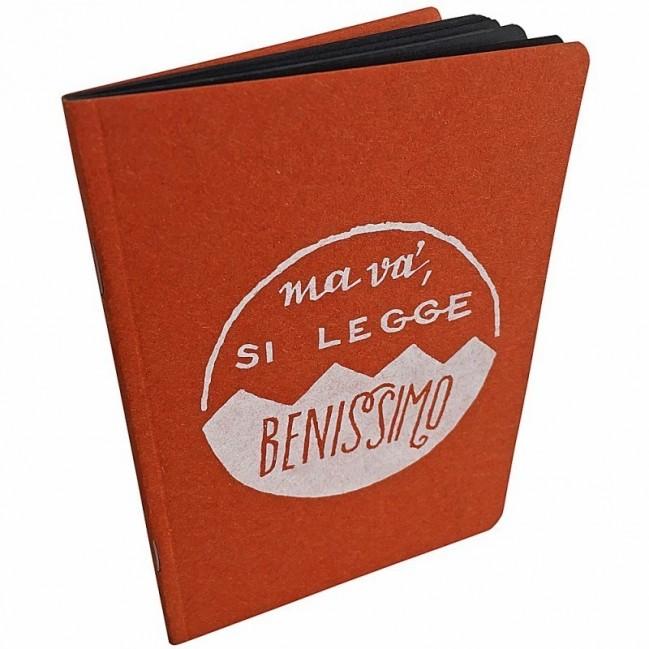 """Notes tascabile """"Ma va', si legge benissimo!"""", copertina arancione e interno in carta colore nero"""