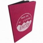 """Notes tascabile """"Ma va', si legge benissimo!"""", copertina fucsia e interno in carta colore nero"""