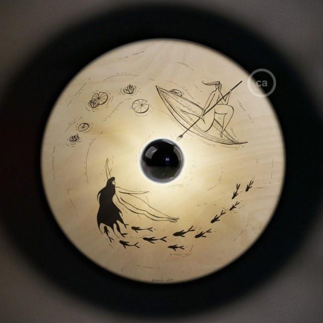 UFO - Unconventional flying object: Abat-jour en bois avec illustrations de Fernando Cobelo