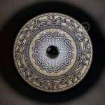 UFO - Unconventional flying object: paralume in legno con illustrazioni di Gianfranco Setzu